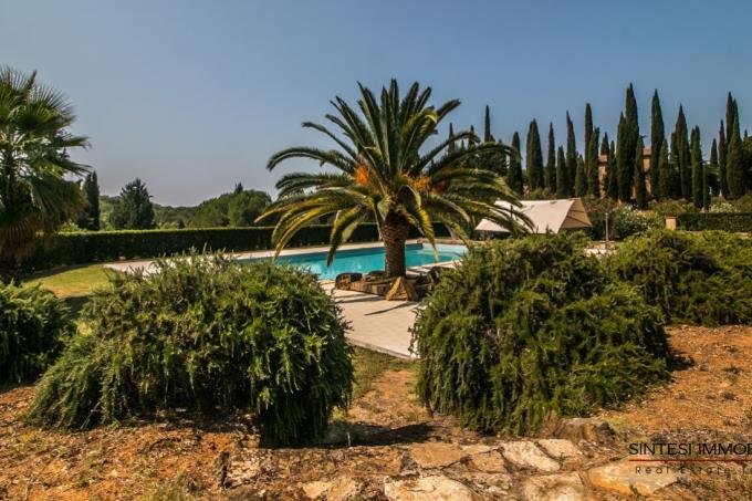 parco-con-piscina-tenuta-di-lusso-vicino-baratti-in-vendita-toscana-livorno-suvereto