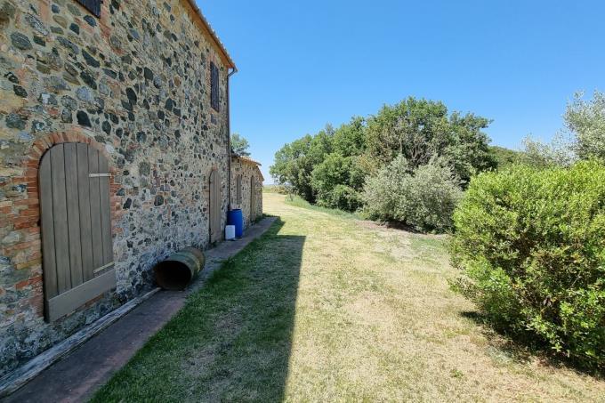 giardino-casale-in-pietra-ristrutturato-con-4-camere-in-vendita-toscana-pisa-volterra