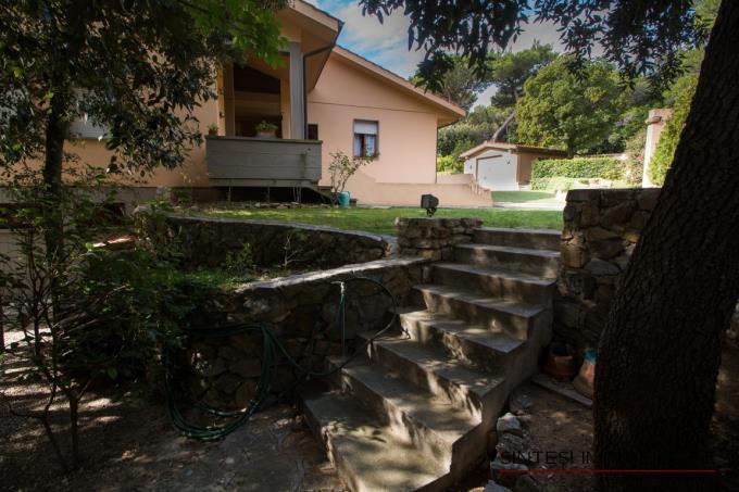 giardino-villa-di-prestigio-in-vendita-toscana-costa-livorno-quercianella