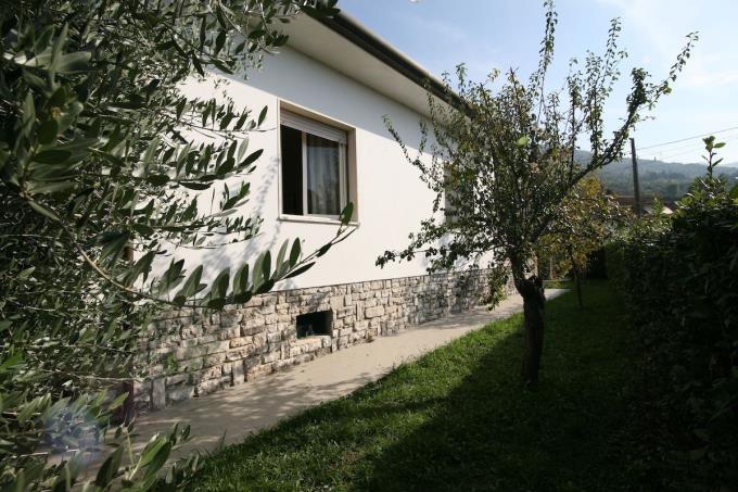 giardino-villa-in-vendita-in-Versilia-Pietrasanta