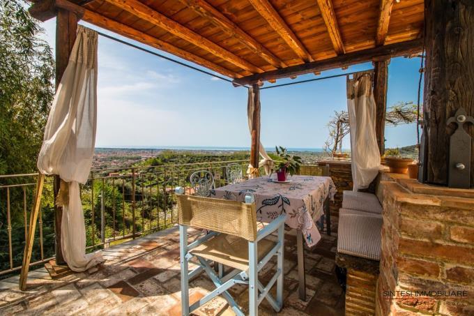 gazebo-con-vista-mare-mozzafiato-villa-in-vendita-toscana-versilia-pietrasanta