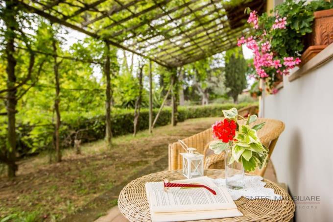 giardino-prestigioso-casale-vendita-toscana-bolgheri
