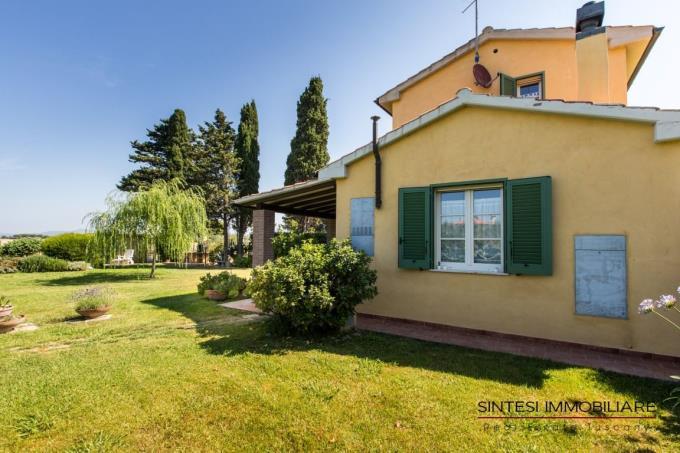 giardino-villa-lussuosa-vendita-toscana-cecina-marina