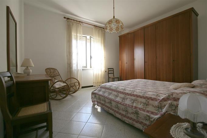 camera-padronale-villa-in-vendita-Versilia-pietrasanta