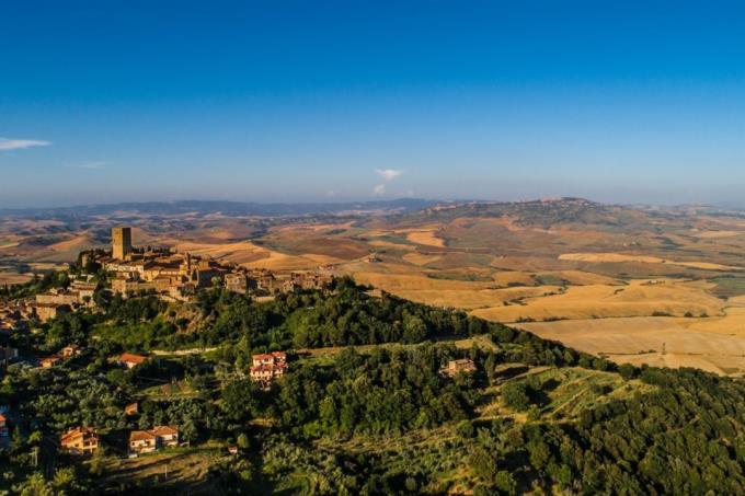 vista-immensa-su-montecatini-v.cecina-dal-casale-esclusivo-in-vendita-toscana-pisa-campagna-volterra