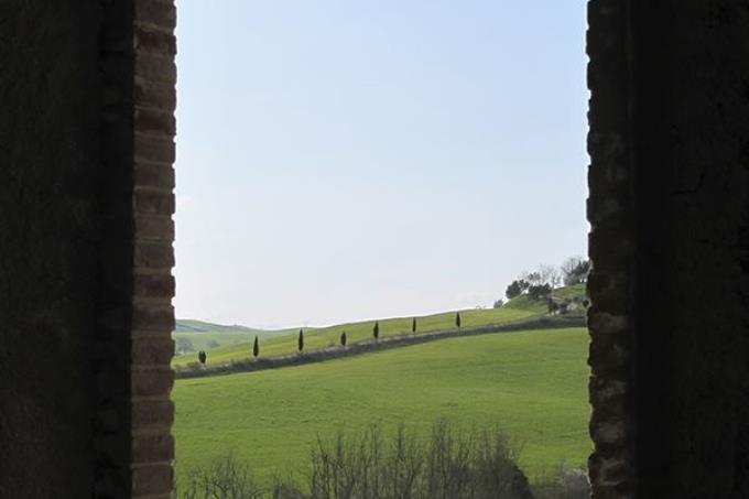 vista-sulla-campagna-dal-prestigioso-borgo-in-vendita-toscana-pisa-lajatico