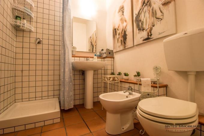 bagno-rustico-ristrutturato-in-vendita-toscana-valdicornia-suvereto