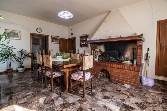 guesthouse-podere-con-vigneto-oliveto-in-vendita-toscana-pisa-chianni