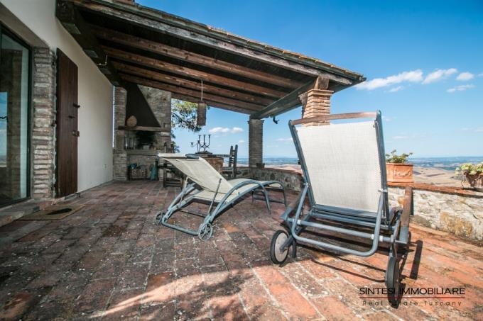 terrazza-dependance-tenuta-di-lusso-in-vendita-toscana-pisa-campagna-volterra