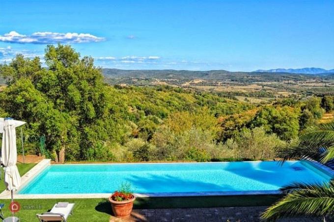piscina-a-sfioro-esclusivo-casale-in-vendita-toscana-costa-etrusca-suvereto