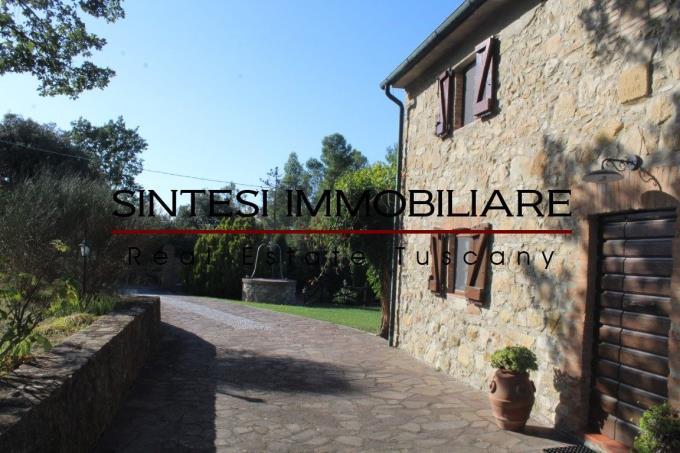 ingresso-casale-d'epoca-in-pietra-in-vendita-Toscana-Pisa-Volterra