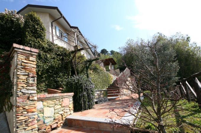 ingresso-prestigioso-casale-con-vista-mare-in-vendita-toscana-versilia-pietrasanta