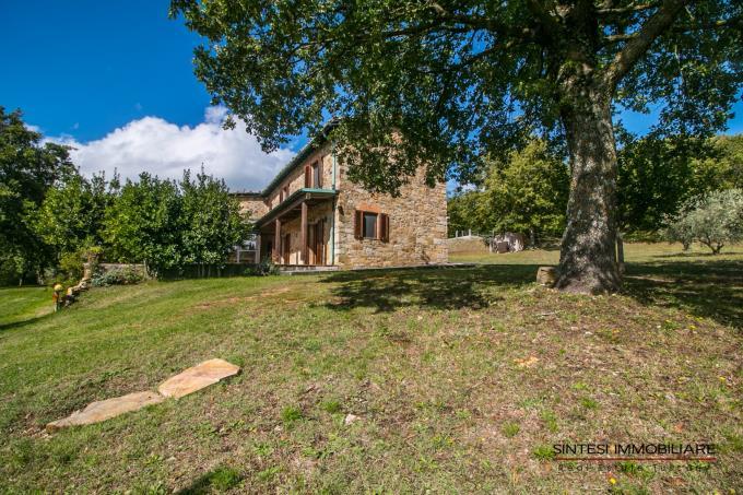 antico-borgo-con-2-casali-in-vendita-toscana-siena-radicondoli