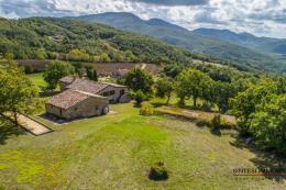 Tenuta prestigiosa 2,6 ha oliveta| acqua sorgente | 2 casali in vendita Toscana vicino Radicondoli