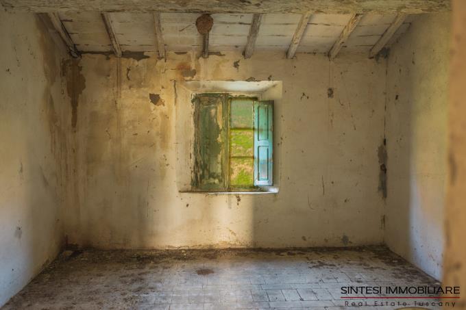 interni-tenuta-con-2-casali-da-ristrutturare-in-vendita-toscana-tra-volterra-e-san-gimignano