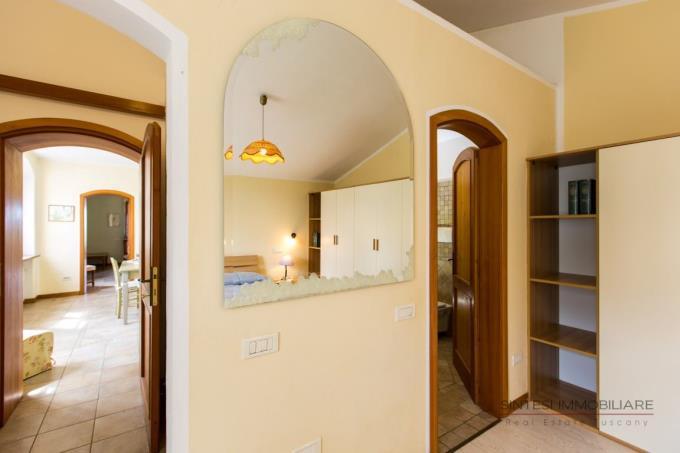interni-della-villa-ristrutturata-vendita-bibbona
