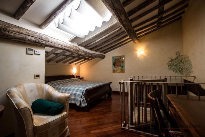 interni-casale-di-prestigio-in-vendita-toscana-versilia-pietrasanta