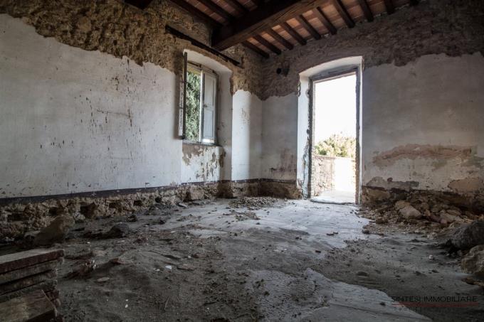 interni-casale-rustico-in-vendita-toscana-pisa-volterra