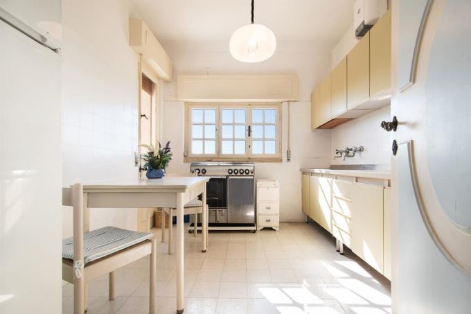 cucina-esclusivo-appartamento-sul-mare-in-vendita-toscana-castiglioncello