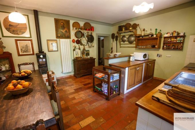 cucina-esclusiva-porzione-casale-in-vendita-toscana-maremma-vicino-punta-ala