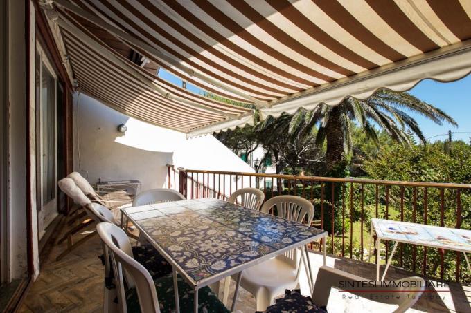 ampia-terrazza-villa-sul-mare-vendita-toscana-livorno