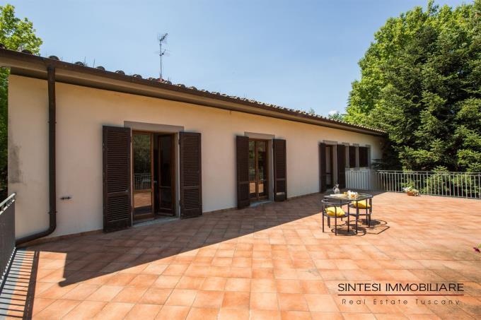 spaziosa-terrazza-prestigiosa-villa-vendita-toscana-pisa