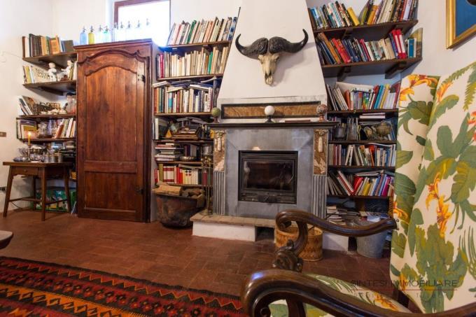 libreria-villa-settecentesca-vendita-toscana-maremma