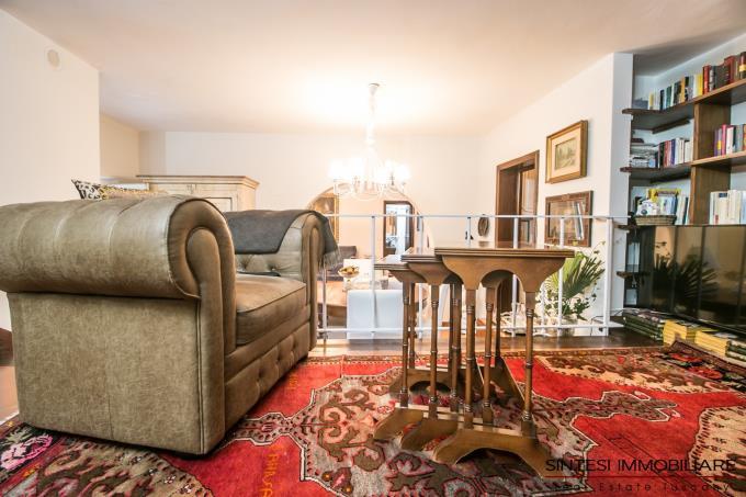 libreria-prestigiosa-villa-in-stile-toscano-5-camere-in-vendita-toscana-lucca