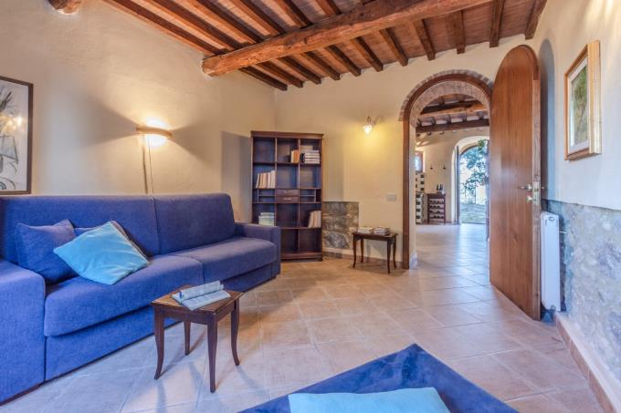 living-guesthouse-tenuta-con-piscina-in-vendita-tuscany-maremma-volterra