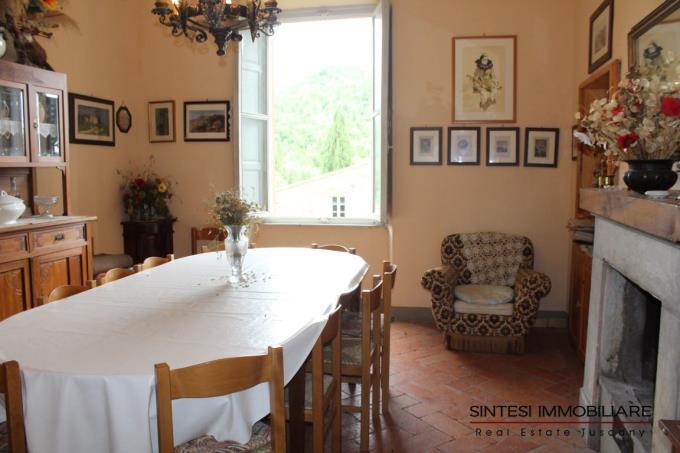 soggiorno-esclusiva-villa-storica-in-vendita-toscana-pisa-volterra