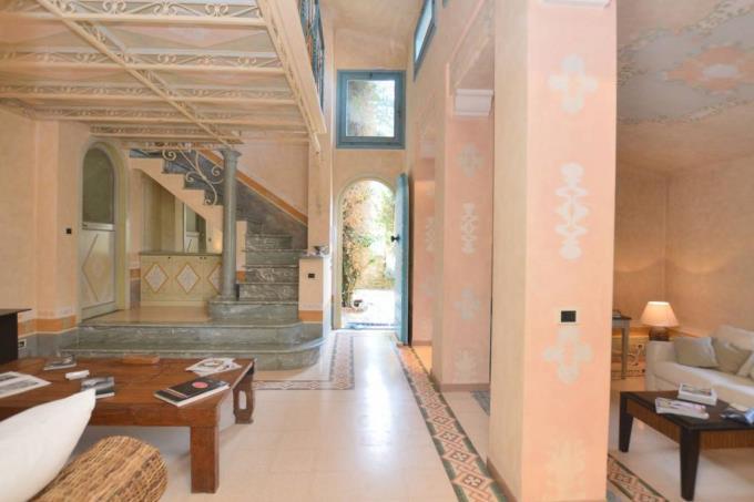 sala-casale-in-pietra-di-charme-vista-mare-in-vendita-toscana-lucca-pietrasanta