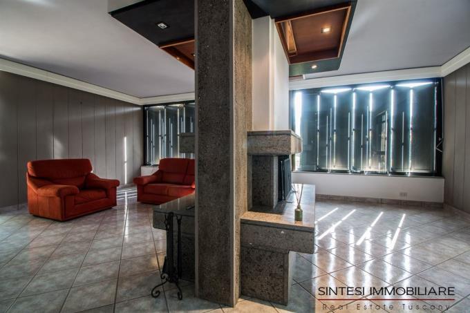 salone-porzione-elegante-villa-bifamiliare-in-vendita-toscana-livorno-costa
