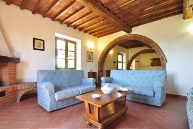 magnifica-tenuta-con-pieve-medievale-vista-mare-in-vendita-toscana-livorno-suvereto