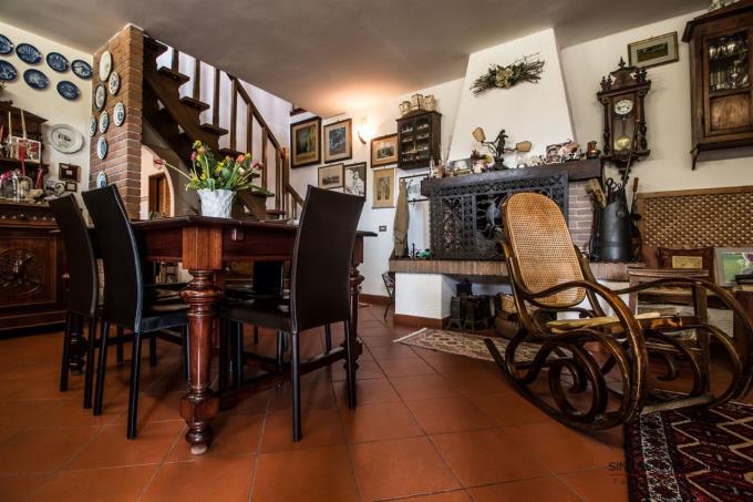 soggiorno-villa-dominante-in-vendita-toscana-costa-livorno