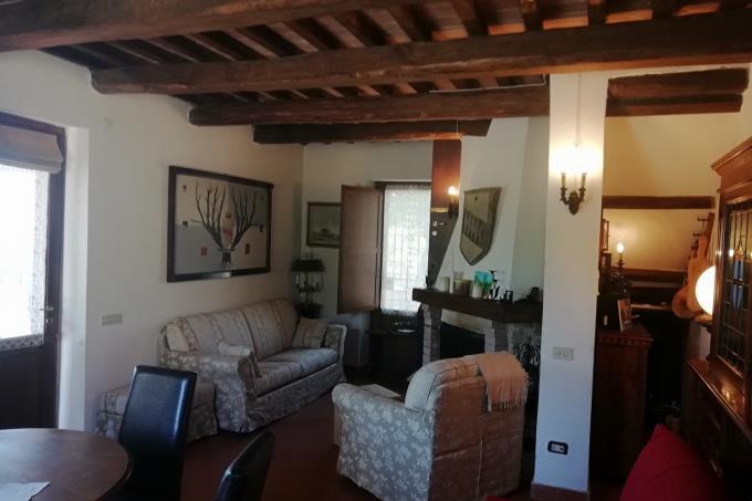 interni-tipico-casale-in-pietra-vista-mare-in-vendita-toscana-grosseto-saturnia