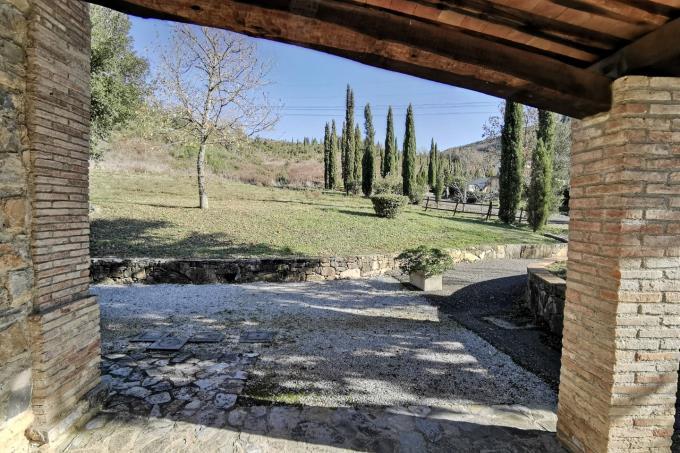 luminoso-portico-rustico-in-vendita-toscana-maremma-suvereto