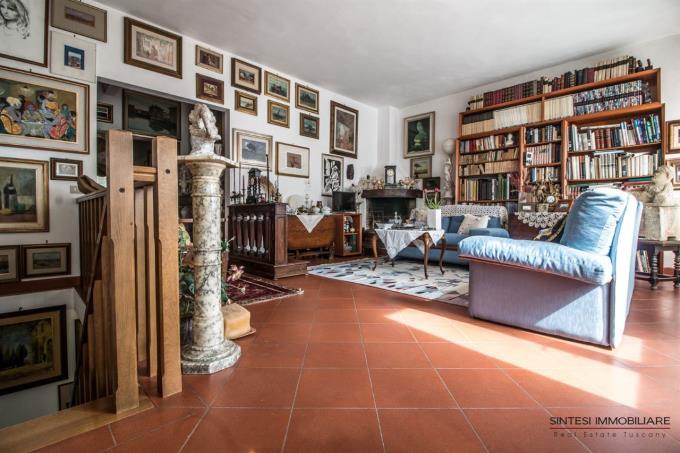 luminoso-salone-con-terrazza-vista-mare-villa-in-vendita-toscana-quercianella