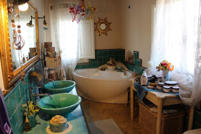 lussuoso-bagno-con-spa-del-casale-di-lusso-in-vendita-toscana-pisa-fauglia