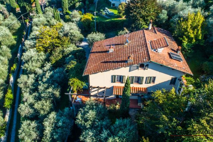 villa-di-lusso-in-cima-ad-una-collina-5-camere-in-vendita-toscana-lucca