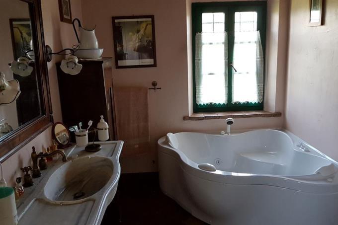 bagno-principale-casale-in-vendita-toscana-casale-marittimo