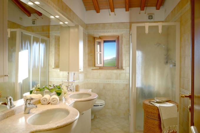 bagno-bellissimo-casale-ristrutturato-vicino-mare-in-vendita-toscana-livorno-bibbona