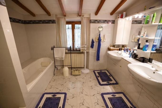 bagno-autentico-casolare-toscano-in-vendita-toscana-campagna-di-volterra