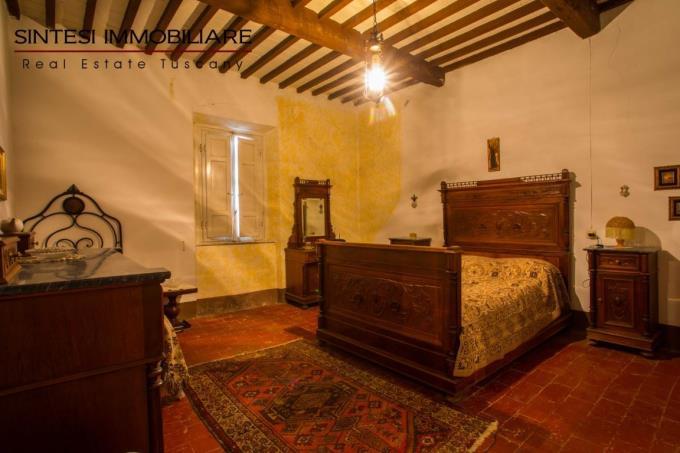 camera-padronale-autentica-villa-d'epoca-in-vendita-toscana-pisa-santa-luce