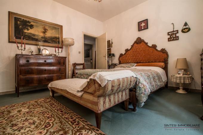 camera-padronale-della-villa-in-vendita-in-toscana-costa-livorno