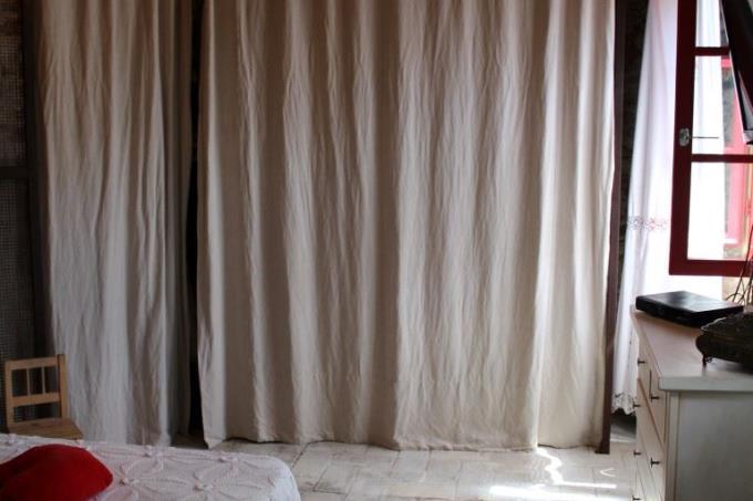 camera-principale-prestigioso-casale-vendita-toscana-pietrasanta