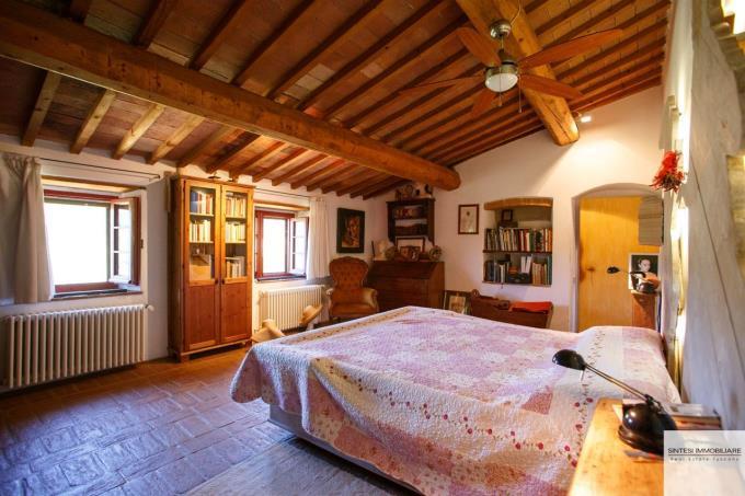 casale-ristrutturato-in-vendita-toscana-volterra-main-bed