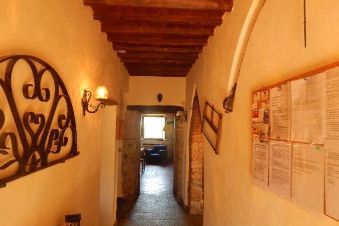 ingresso-prestigioso-rustico-in-vendita-toscana-pisa-santa-luce