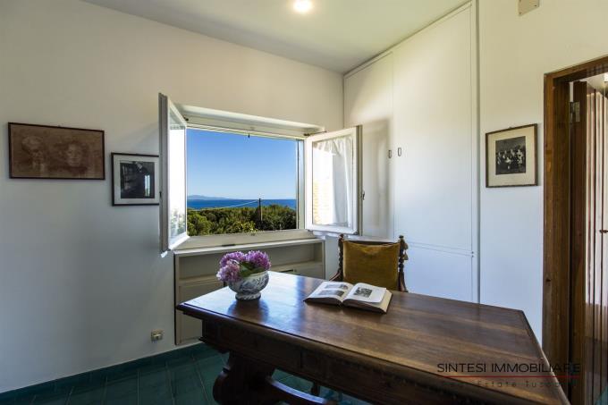 suite-padronale-villa-spiaggia-mare-toscana-castiglioncello