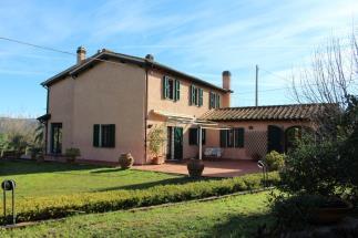 Prestigioso casale in vendita in Toscana a Montescudaio