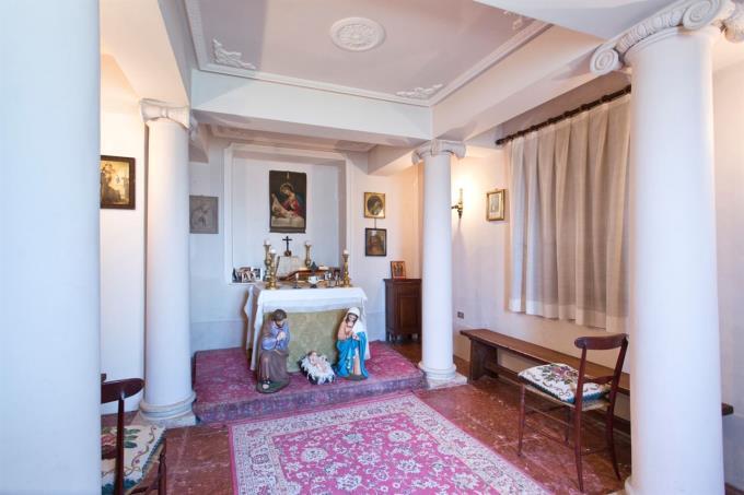 cappella-originale-lussuosa-dimora-d'epoca-in-vendita-umbria-spoleto